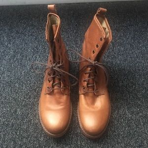 Frye Veronica Leather Tan Combat Lace Up Boots 9.5